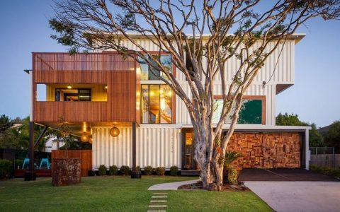 Four-bedroom-three-storey-house-Ziegler-build-Brisbane